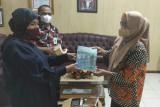 Purnakarya PLN sumbang buku koleksinya untuk Dinas Perpustakaan Makassar