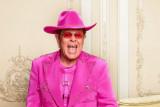 Ini penyebab Elton John tunda tur 'Farewell Yellow Brick Road'