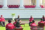 Presiden Jokowi memberikan bonus bagi atlet Paralimpiade Tokyo 2020