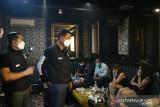 Polda Metro segel dua tempat karaoke di Bekasi