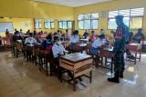 Satgas TNI tanamkan wawasan kebangsaan siswa SMAN 1 Kimaam