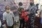 Lantamal VIII  bakti sosial di Likupang peringati HUT TNI AL