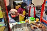 Jumat berkah, Pertiwi Semarang gandeng PKK dan Sasa Inti bagikan 1.000 porsi nasi goreng