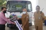 Pemkab Mamuju terima bantuan kendaraan pengangkut sampah dari Bank Sulselbar
