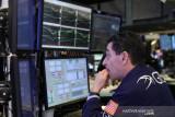 Saham Wall Street beragam, Dow dan S&P akhiri pekan bergejolak naik tipis