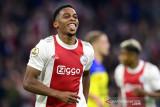 Ajax hancurkan tim promosi Cambuur 9-0