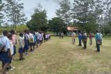 Bupati Jayawijaya temukan kepala sekolah tidak berada di tempat saat tugas