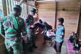 Satgas TNI Yonif 611 salurkan bantuan perlengkapan sekolah di perbatasan
