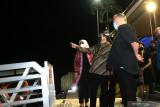 Menteri BUMN Erick Thohir (tengah) bersama Bupati Banyuwangi  Ipuk Fiestiandani Azwar Anas (kanan) meninjau proyek kapal pesiar di Pantai Marina Boom, Banyuwangi, Jawa Timur, Sabtu (18/9/2021)malam. Pada kunjungan kerja di Banyuwangi,  Menteri Erick meninjau beberapa lokasi diantaranya Idustri Gula Glenmore (IGG) dan Marina Boom Pelindo 3. Antara Jatim/Budi Candra Setya/zk