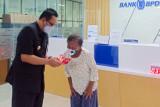 Ribuan lansia di Yogyakarta menerima bantuan dana asistensi