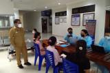 Bupati Manggarai Barat pantau pelayanan vaksinasi RS di Labuan Bajo