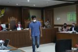 Saksi ungkap pertemuan mantan penyidik KPK dengan Azis Syamsuddin di kediaman resmi