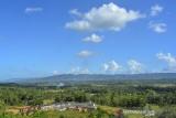 Suasana perumahan subsidi di Kota Banjar, Jawa Barat, Senin (20/9/2021). Kementerian Pekerjaan Umum dan Perumahan Rakyat (PUPR) merealisasikan penyaluran dana bantuan pembiayaan perumahan Fasilitas Likuiditas Pembiayaan Perumahan (FLPP) pada September 2021 sebesar Rp14,83 triliun untuk 135.797 unit rumah subsidi. ANTARA FOTO/Adeng Bustomi/agr