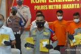 Polrestro Jakut tangkap dua kurir sabu 2 kg di Jelambar