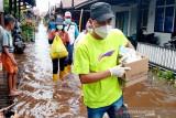 Dinkes Palangka Raya 'door to door' berikan pelayanan kesehatan di wilayah terdampak banjir