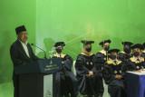 Ketua Majelis Wali Amanah (MWA) Jusuf Kalla (kiri) memberikan sambutan saat mengikuti pembukaan perkuliahan di Fakultas A, UIII, Depok, Jawa Barat, Senin (20/9/2021). Perkuliahan di kampus Universitas Islam Indonesia Internasional (UIII) secara resmi dibuka tahun akademik 2021-2022 sekaligus sebagai tahun akademik pertama. ANTARA FOTO/Asprilla Dwi Adha/rwa.