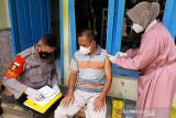 Alumni Akabri 98 gelar vaksinasi dari rumah ke rumah di Banyumas