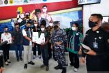 Astra Motor Papua bagi 150 paket bahan pokok untuk warga yang divaksin
