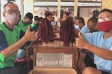 Rutan Kelas IIB Wates-SCI bekali warga binaan keterampilan pembuatan rambut palsu