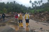 BPJN Sulut bersihkan Jalan dan jembatan terdampak banjir di Minahasa Tenggara