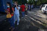 Pekerja migran Indonesia di Malaysia ikuti vaksinasi COVID-19