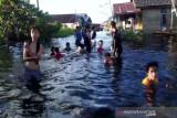 Pemkot Palangka Raya jemput bola periksa kesehatan korban banjir
