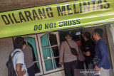 Polisi olah TKP pembunuhan pedagang nasi di Kota Mataram