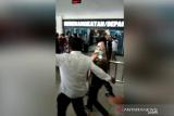 Bupati Kolaka Timur diterbangkan ke Jakarta usai diperiksa KPK di Kendari