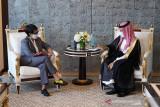 Pemerintah Arab Saudi kembali membuka jalur umrah bagi jamaah Indonesia
