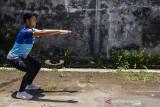 Latihan fisik atlet menembak Jawa Barat