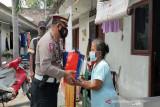 Polres Kota Surakarta bagikan 1.500 paket sembako masyarakat terdampak