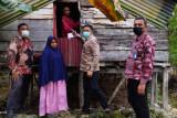 BNI salurkan bantuan Kemensos untuk disabilitas dan lansia di Muna dan Buteng