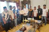 Tiga atlit Dumai ikut ke PON Papua, KONI serahkan bantuan