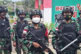 Satgas Pamtas RI-RDTL  minta warga menyerahkan senjata api