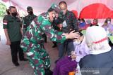 Panglima TNI Marsekal TNI Hadi Tjahjanto tinjau vaksinasi pelajar Pekanbaru