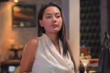 Erika Carlina bintangi Flora sempalan di serial Turn On