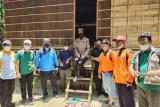 Suku Talang Mamak sambut wisatawan dengan  tarian khas