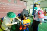 Ratusan warga binaan Lapas Sampit divaksinasi cegah penularan COVID-19