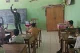Satgas Pamtas RI-Timor Leste motivasi pelajar jalani tatap muka