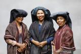 Tenun Ulos miliki potensi kebudayaan  hingga ekonomi-sosial