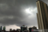 BMKG: Waspadai potensi hujan dan petir di tiga wilayah DKI Jakarta