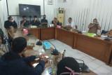 Sejumlah warga di Kelurahan Teluk Bayur mendatangi DPRD Padang, ini yang diadukan mereka