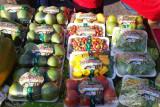 Kulon Progo menggelar pasar tani dengan melibatkan 12 KWT pulihan ekonomi