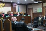 Halangi penyidikan KPK, kerabat mantan Sekretaris MA dituntut 7 tahun penjara