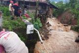 Puluhan rumah warga di Sumatera  Selatan rusak dihantam banjir bandang