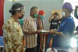 Gubernur Sulteng  serahkan 325 hektare TORA kepada petani di Sigi