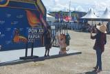 Maskot PON Papua Kangpho dan Drawa hadir di Pentas Seni Budaya Pasar Lama Mimika