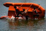Sejumlah anggota Linmas mengikuti pelatihan pencegahan dan mitigasi bencana di kawasan Embung Pilangbango, Kota Madiun, Jawa Timur, Selasa (28/9/2021). Pelatihan yang digelar Badan Penanggulangan dan Bencana Daerah (BPBD) diikuti 120 anggota Linmas dari empat kelurahan di wilayah rawan banjir meliputi materi water rescue, vertical rescue dan pertolongan pertama dengan instruktur dari personel Brimob, Federasi Panjat Tebing Indonesia dan PMI Kota Madiun dimaksudkan untuk mengantisipasi dan mengurangi risiko bila terjadi bencana. Antara Jatim/Siswowidodo/zk.
