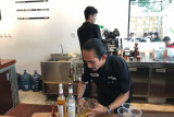 Bisnis Kafe di Bukittinggi kembali bangkit setelah terpuruk karena aturan pandemi