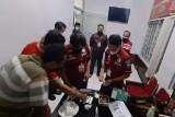 Pelemparan narkotika dari luar tembok penjara makin marak, Lapas Semarang perketat pemeriksaan barang